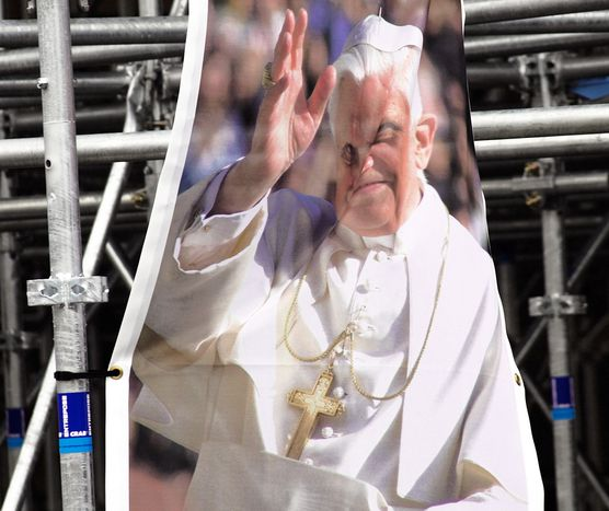 Image for Il Papa ai giovani: niente lavoro? Non importa, c'è Dio!