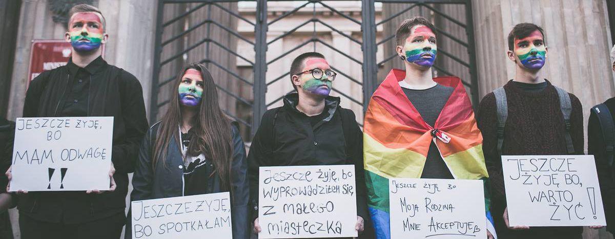 Image for La vie irrespirable des gays de Pologne
