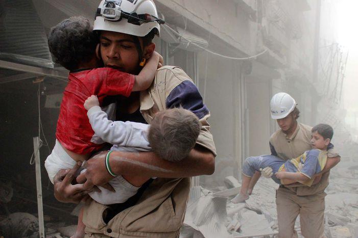 Image for Siria: a scuola sotto le bombe, infanzia perduta