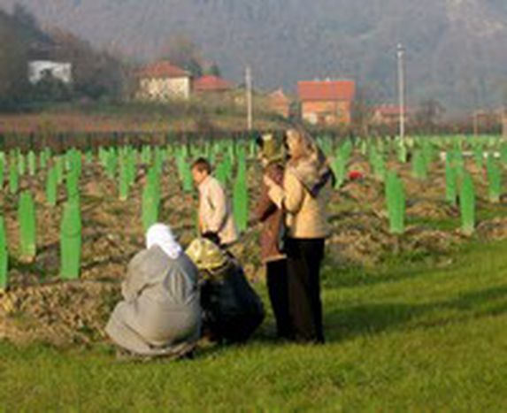Image for Massacri di Srebrenica, cercasi condanne