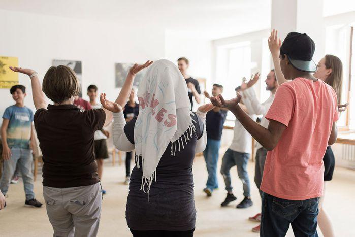 Image for Berlin : des ateliers de théâtre gratuits pour les réfugiés