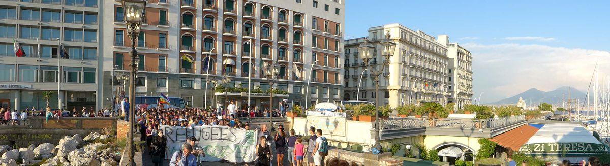Image for La Marcia delle donne e degli uomini scalzi di Napoli
