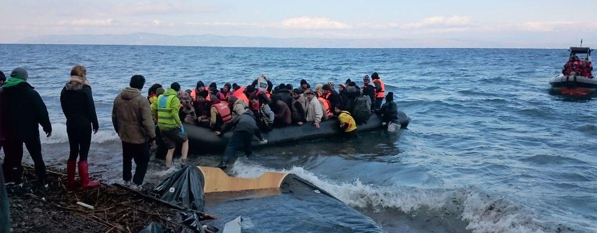 Image for Camps de réfugiés : la jeunesse solidaire