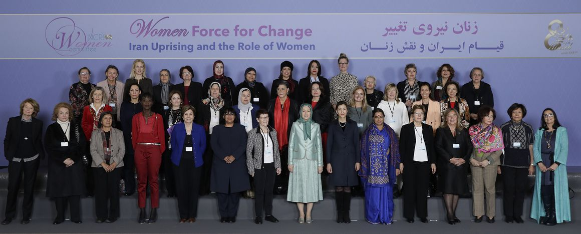 Image for Les Iraniennes en première ligne de la révolution en marche en Iran