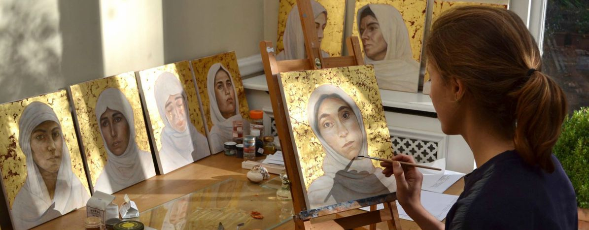 Image for The young artist lending her paintbrush to Yazidi women