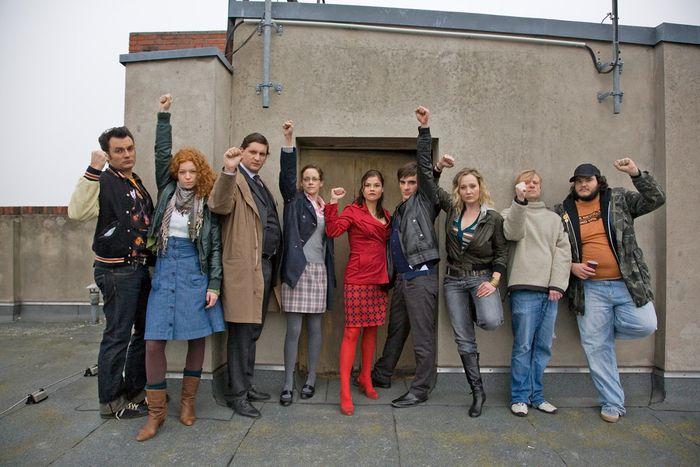Image for Generationenkino im Weichspüler: 'Résiste - Aufstand der Praktikanten'