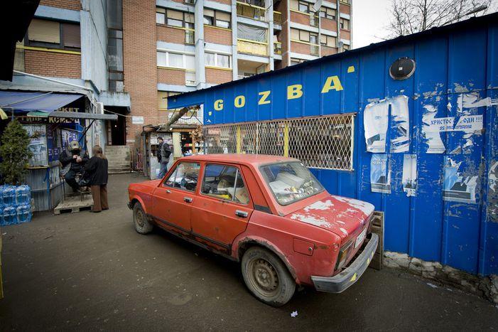 Image for Tylko 50 centów i w drogę: w Kosowie jeździ się fake taxi!