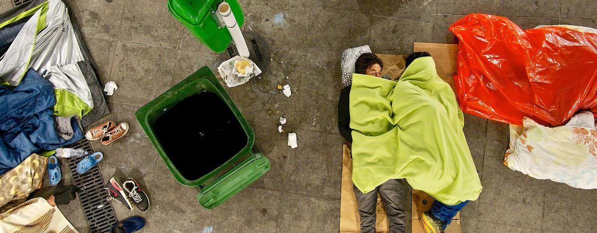Image for Refugiados e indigentes,en el mismo barcoen Budapest