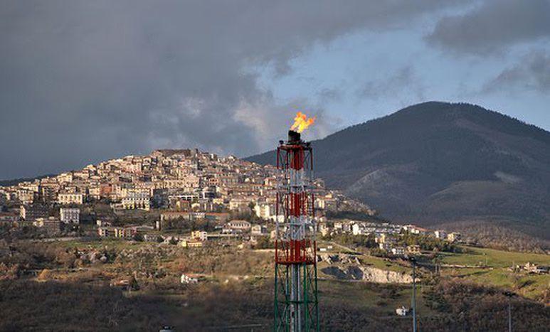 Image for I paradossi dell'affare petrolifero lucano: «Teste lucide, cuori grandi, piedi pigri»