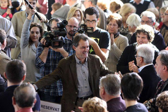 Image for Secesión en Cataluña: El Parlamento catalán vota 'sí'