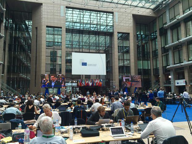 Image for Conseil européen : un sommet pour l'Histoire ? (live)