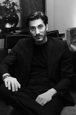 """Image for Luca Marinelli: """"ho ancora il poster di Marlon Brando in camera"""""""