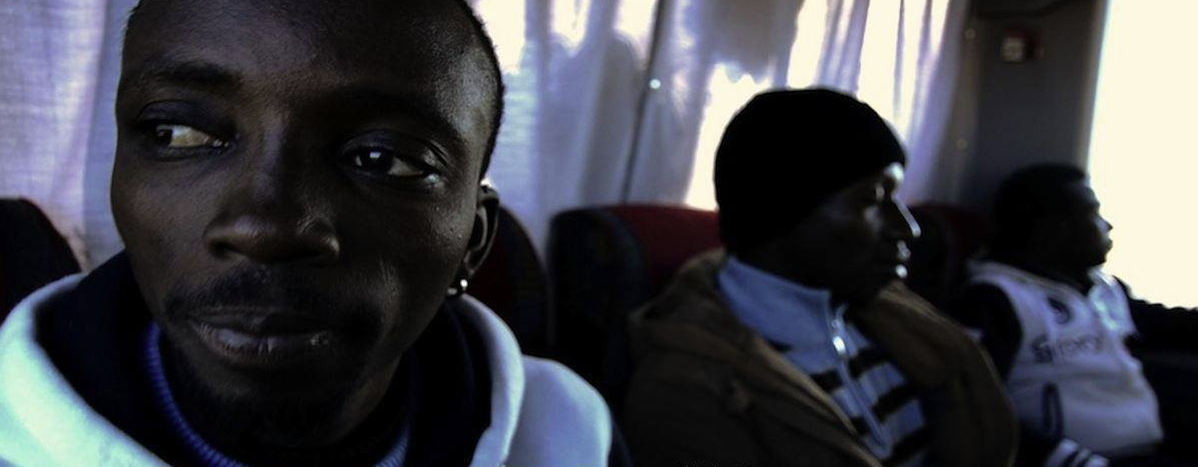 Image for L'Aventure : l'histoire de trois réfugiés bloqués en Grèce