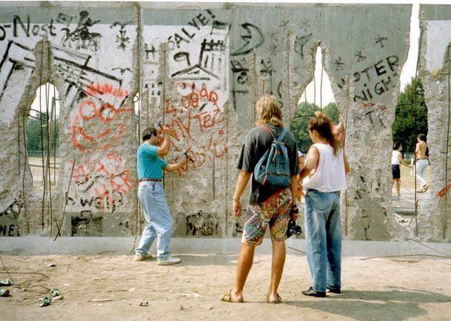 Image for 25ans après la chute du Mur: les nouvelles barrièresen Europe