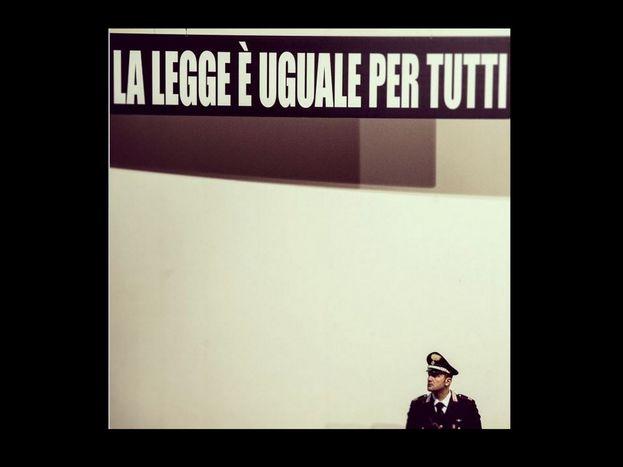 Image for La legge è uguale per (quasi) tutti, storie di omicidi in divisa: Rasman e Aldrovandi
