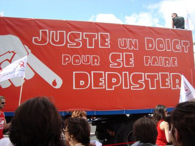 Image for Gay Pride 2011 : rose politique