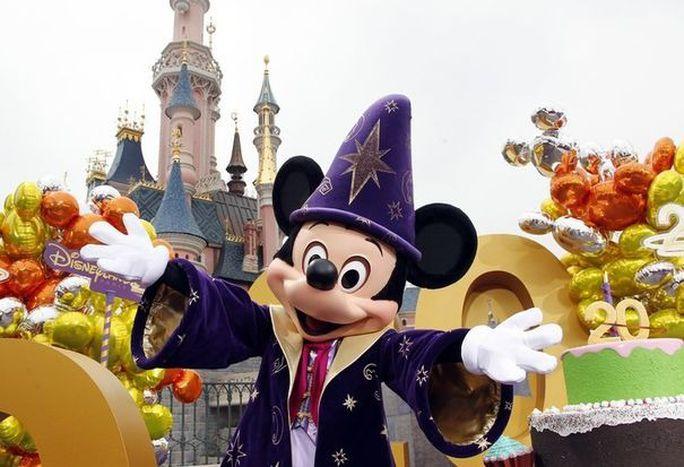 Image for Disneyland Paris, buon compleanno!
