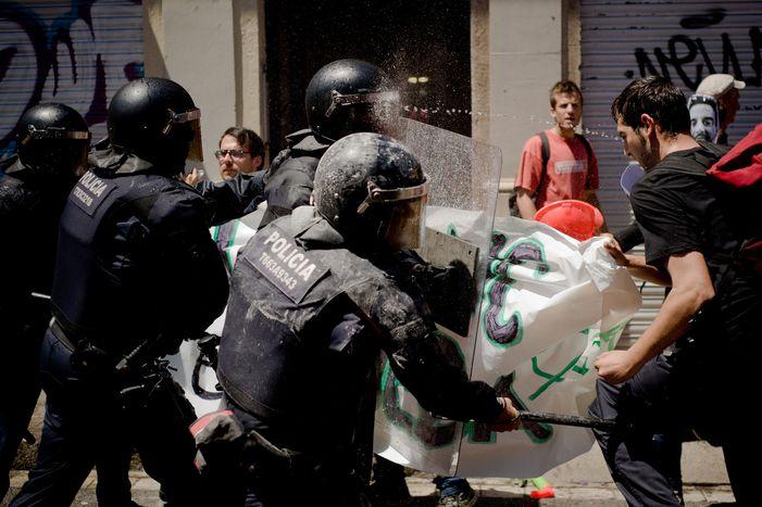 Image for « Okupas» à Barcelone: une affaire d'État