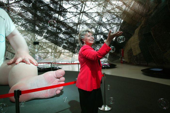 Image for Viviane Reding: serce, miłość, biurokracja!