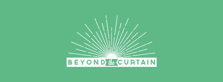 Image for Beyond the Curtain: 25 Años de Fronteras Abiertas