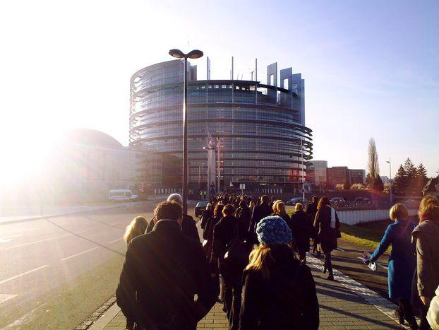 Image for Karima Delli : «Les eurodéputés sont déconnectés de la réalité»