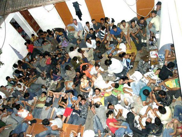 Image for Les îles grecques : nouvel Eldorado pour les immigrants clandestins