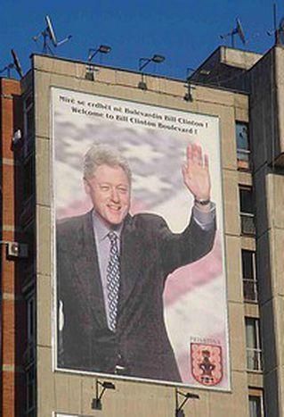 Image for «Bill Clinton forever», in Kosovo tutti pazzi per gli Usa