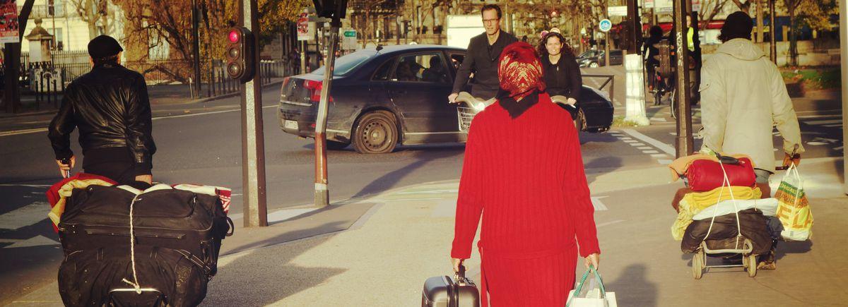 Image for Wohnungslos in Paris: Schlafen unter freiem Himmel