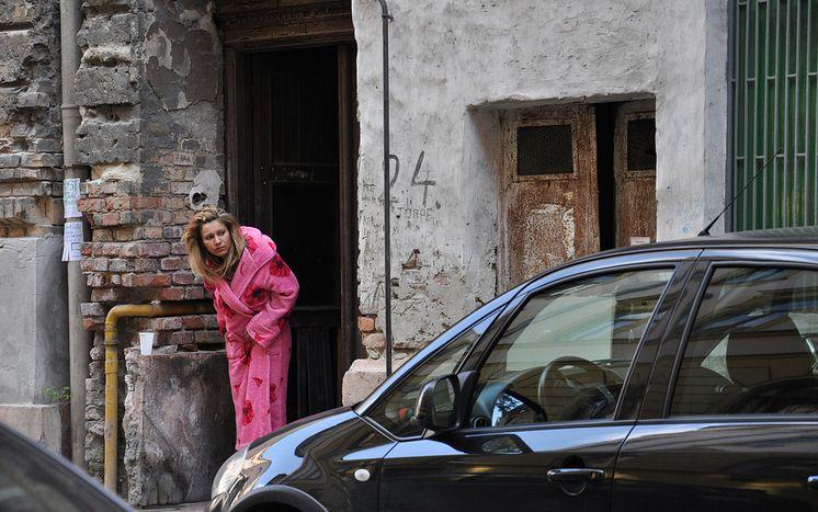 Image for Prostitutas y turistas: un paseo por el distrito Józsefváros de Budapest