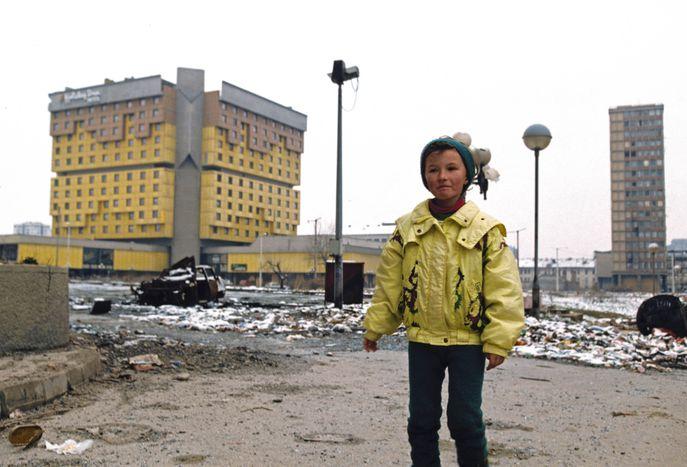"""Image for """"La nostra storia"""": scatti da una Sarajevo sotto assedio"""