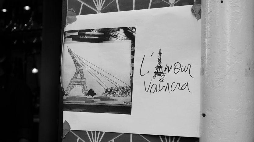 """Image for Parigi: """"L'amore è più forte dell'odio"""""""