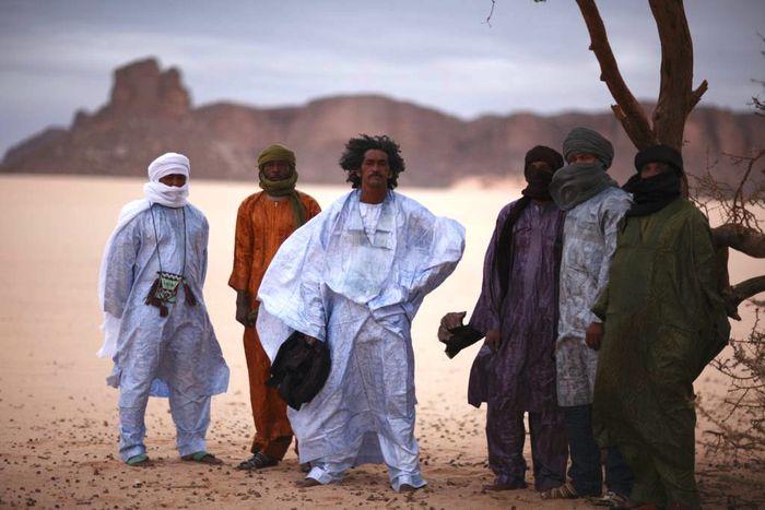 """Image for Tinariwen, grupo de música de Mali: """"la música es nuestra arma"""""""