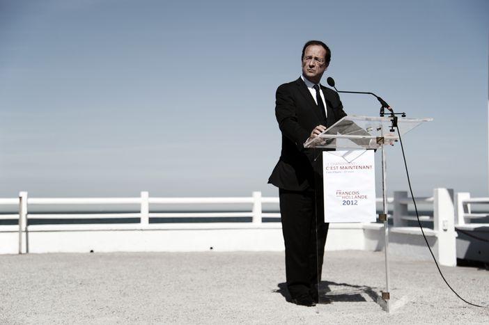 Image for Mario Monti e François Hollande, il valzer continua
