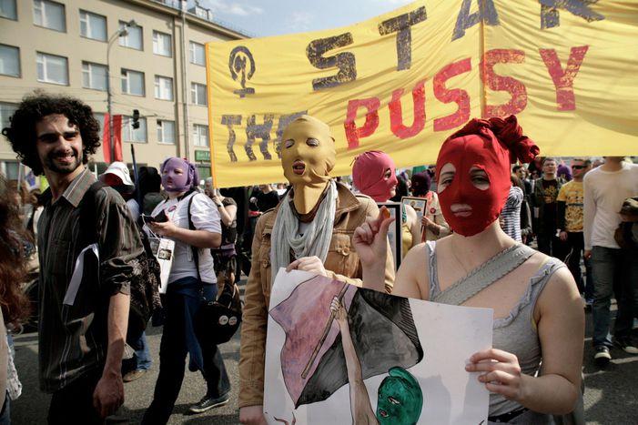 Image for Demo gegen Putin: Von der Kreml-Rochade zur Straßen-Blockade