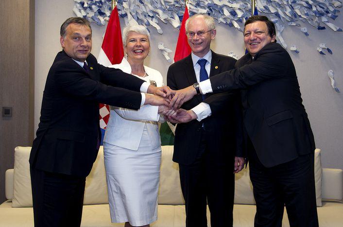 Image for Croatia EU vote: Swiss, Italian, Slovenian, Czech media react