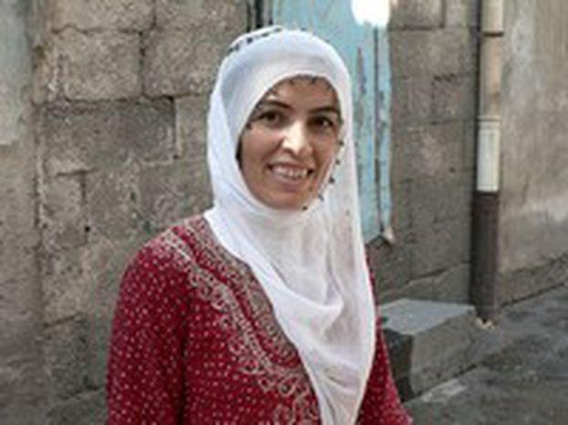 Image for Mujeres turcas que se tapan el cabello, no la boca
