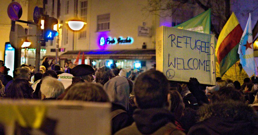Image for Pourquoi l'Europe a-t-elle besoin des immigrés : une perspective dynamique