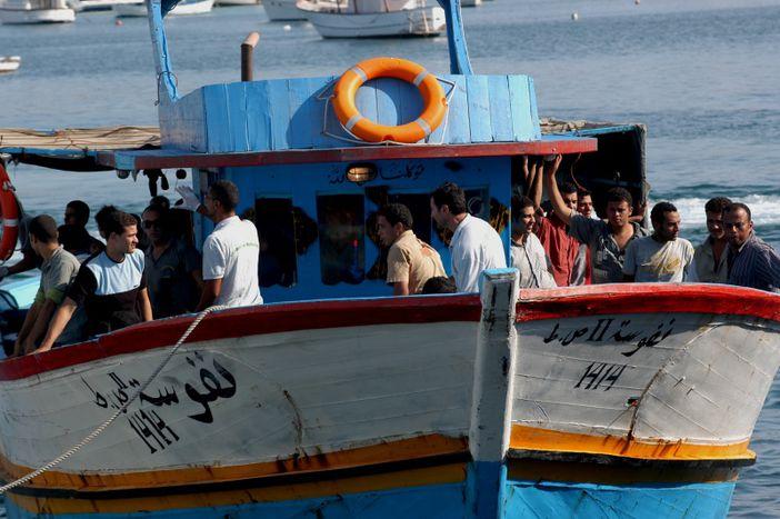 Image for Lampedusa : mer de tragédie, île de solidarité