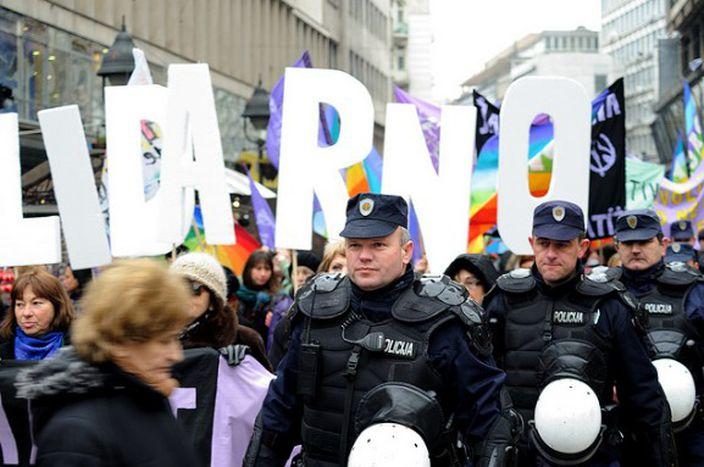 Image for 'Kompott' aus Serbien: Hooligans, Gay Pride und die Angst vor dem Westen