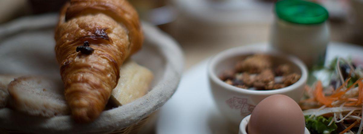 Image for Un bon croissant, s'il vous plait: les bonnes adresses