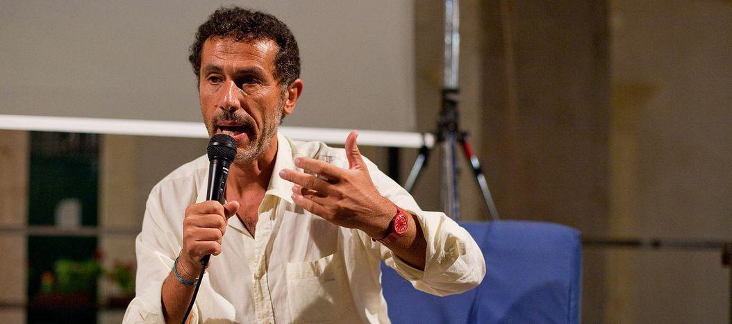 Image for Voci da Lampedusa#1:intervista ad Antonio Mazzeo