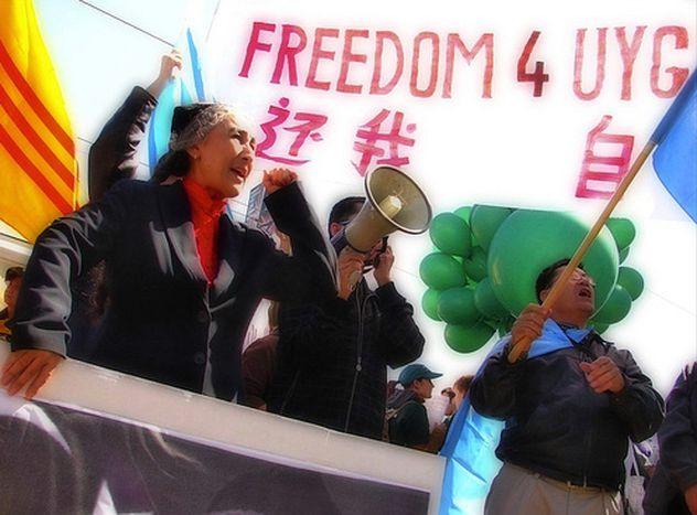Image for China se opone a que Lituania acoja a presos uigures de Guantánamo