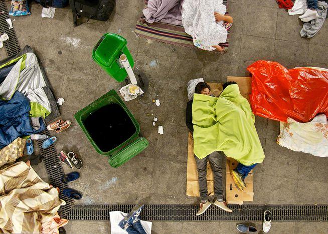 Image for Flüchtlinge und Obdachlose: Im gleichen Boot in Budapest