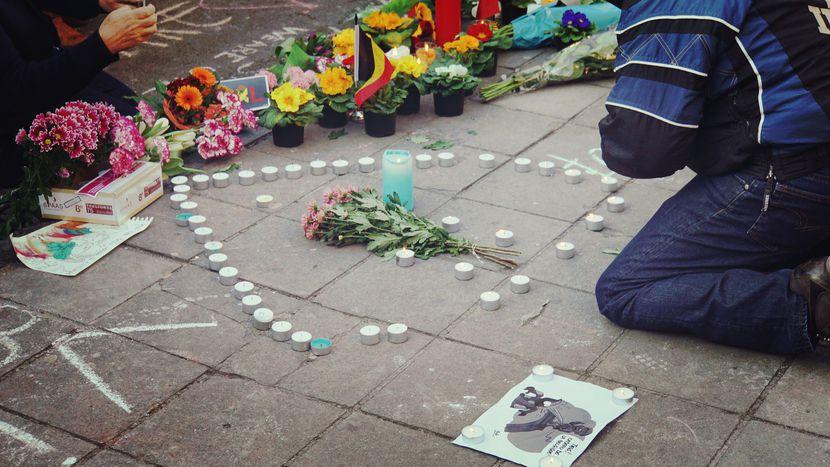 Image for Atentados en Bruselas:'Pis andLove' yliberales blandos