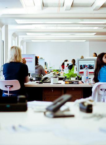 Image for Anche i manager piangono: dallo stress alla crisi finanziaria