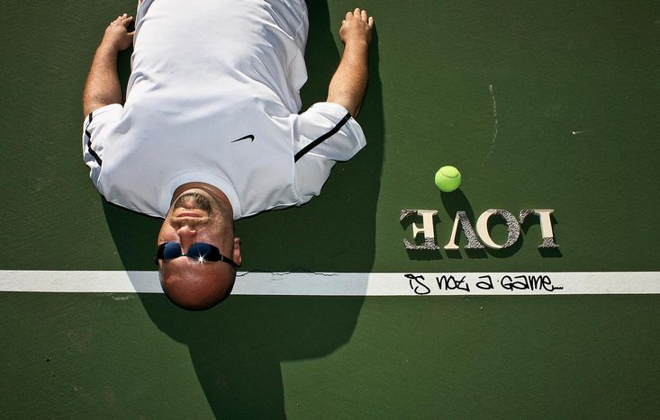 Image for Roland-Garros en classe-éco : ode au « Visiteur du soir »