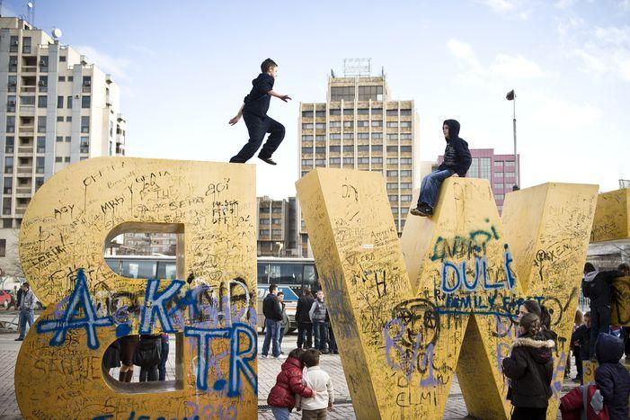 Image for Kosovo, an trois : jeune Etat, pays de jeunes (15 photos)