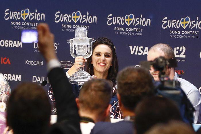 Image for Politica e fuochi d'artificio: l'Ucraina vince Eurovision