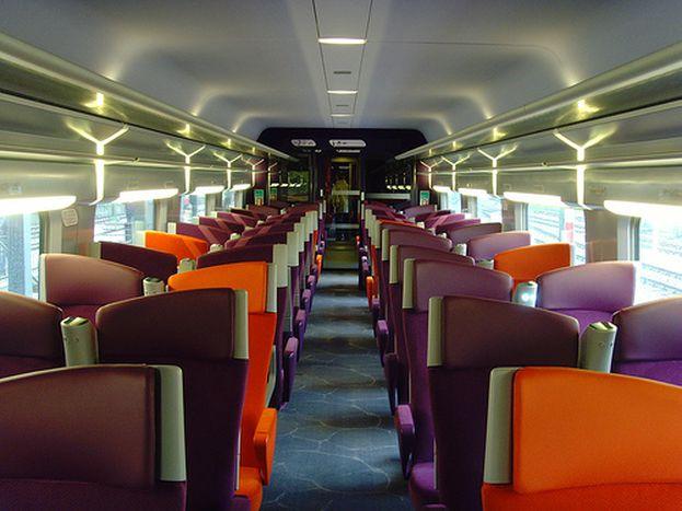 Image for Tren AVE solo para privilegiados