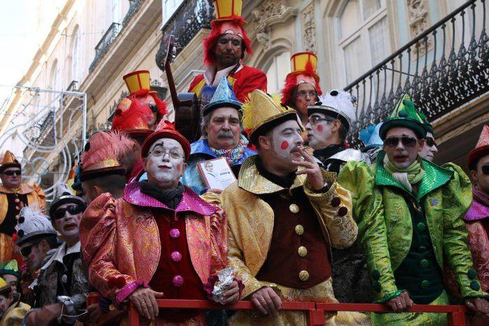Image for Carnevale di Cadice: pane secco e vodka per esorcizzare la crisi